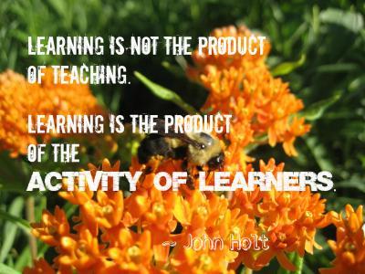 Social Learning beruht vor allem auf der Eigenaktivität der Lerner*innen. Bild: Learning is von Denise Krebs auf Flickr. Verwendung unter den Bedingungen der Creative Commons 3.0 - BY (Namensnennung). URL: https://commons.wikimedia.org/wiki/File:What_is_learning.jpg